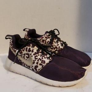 Nike leopard print shoes size 5.5